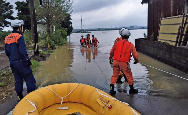 大雨被害により逸水した木山川での救助