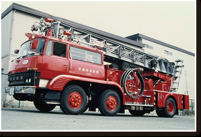 33メートル大型はしご車(0452)