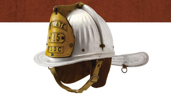 命の絆No.61 アメリカ合衆国 コロンビア特別区(ワシントンD.C.)消防局/ケアンズ・アンド・ブラザー社モデル350「セネター」アルミ合金製ヘルメット