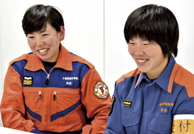 女性消防職員